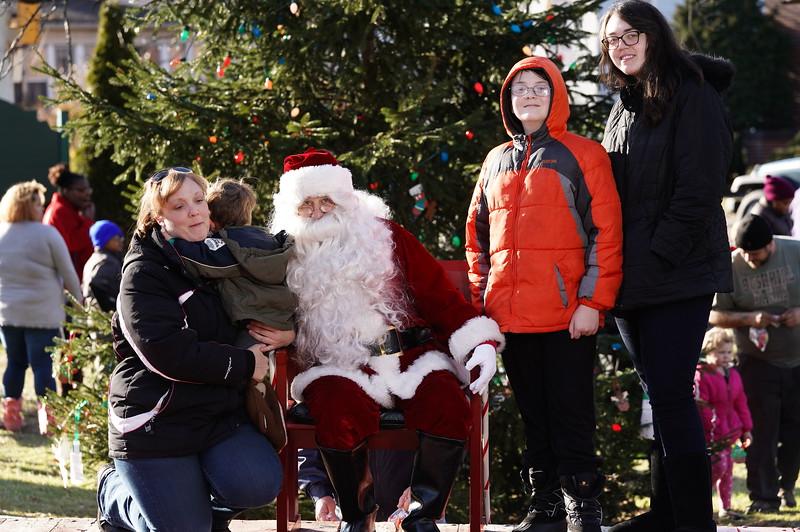 Santa In The Park 20190137.JPG