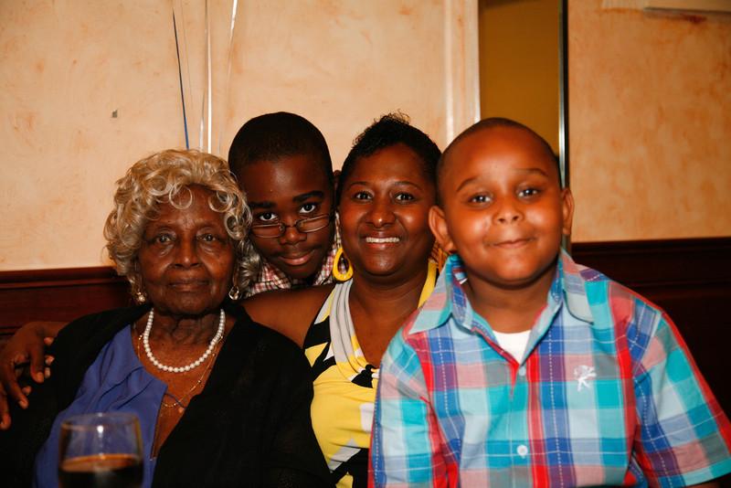 Edouard Family Reunion-3625.jpg