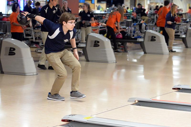 boys_bowling_9780.jpg