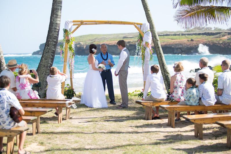 gillin beach kauai wedding-72.jpg