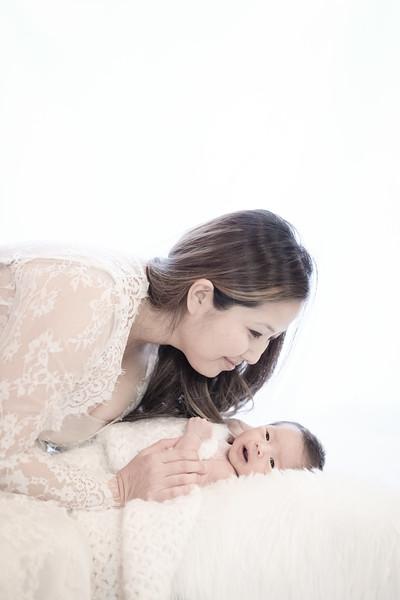 2017_12_09 Kim Family-1655.jpg
