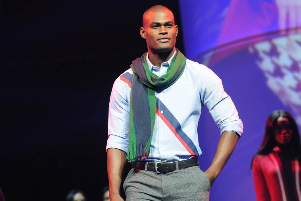 . A model wears a scarf and shirt from Tommy Hilfiger during the dress rehearsal for the annual Macy\'s Glamorama.  (Pioneer Press: Jean Pieri)