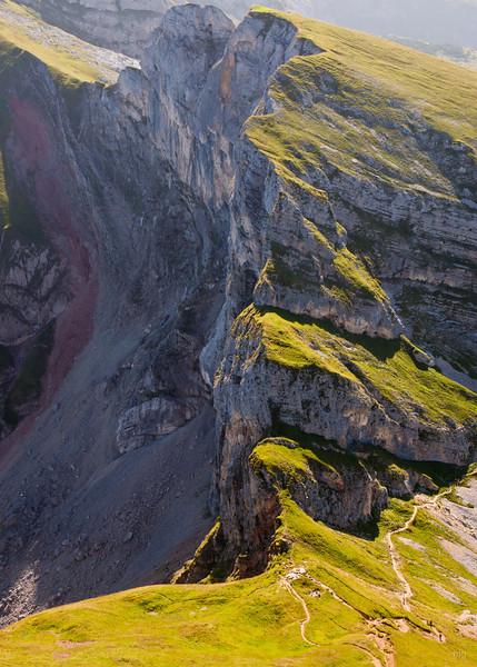 Spieljoch-Klettersteig (vom Weg in der Bldmitte die Kante hinauf)