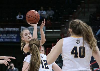 US Girls Basketball vs Ilwaco at State 2B 2-27-19