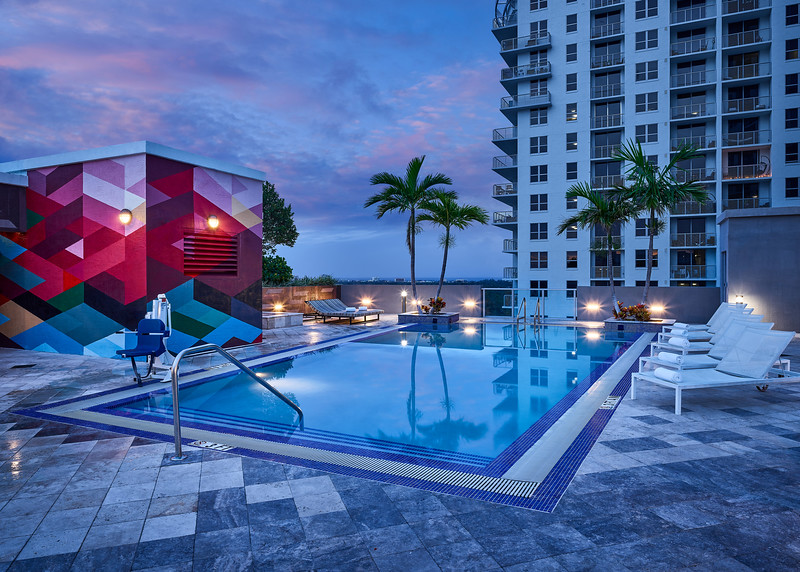 Sonder-MiamiBeach-Cirq-Pool-Evening-Hero.jpg