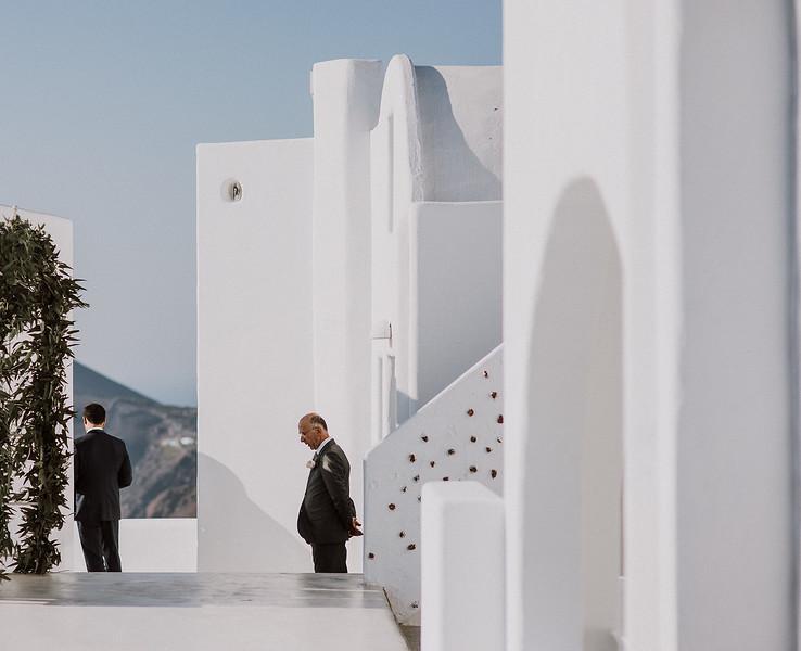 Tu-Nguyen-Destination-Wedding-Photographer-Santorini-Rocabella-Hotel-Euna-Ehsan-365.jpg