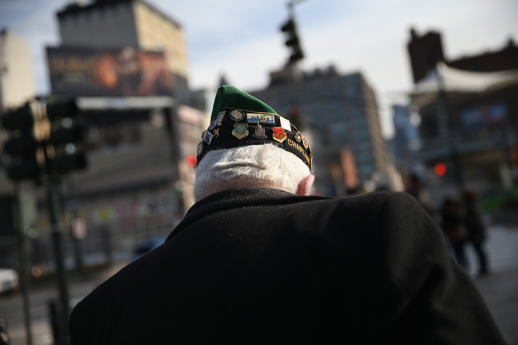 . A veteran leaves a ceremony marking the 72nd anniversary of the attack on Pearl Harbor, Hawaii on December 7, 2013 in New York City. (Photo by John Moore/Getty Images)