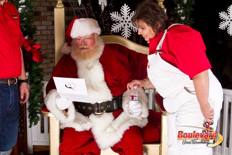 Santa Dec 8-309.jpg