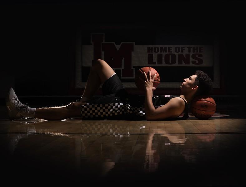 Senior-basketball-sports-photography-Eastern-Iowa-Marion-Cedar-Rapids-102.jpg