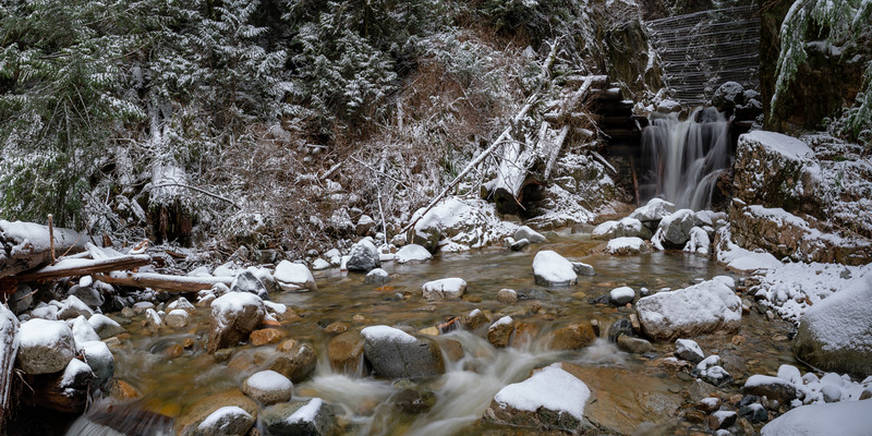 19_02_03 snow day in north van 0118-Pano.jpg