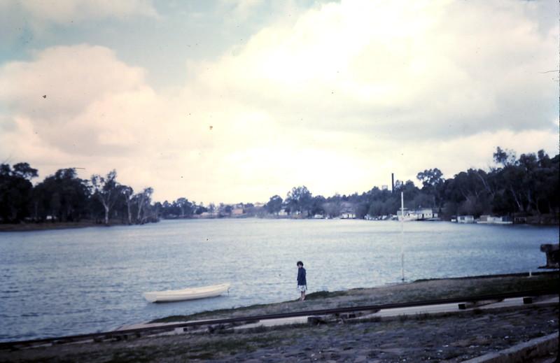1961-8-23 (12) Mary @ Mildura.JPG