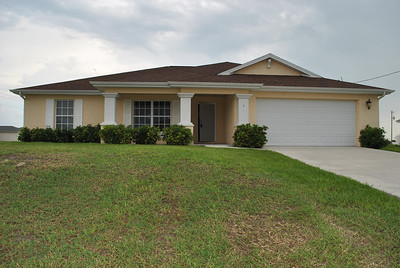 14 NW 28th Ter, Cape Coral, FL