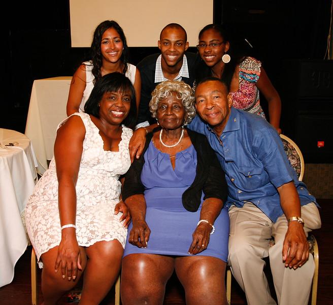 Edouard Family Reunion-3831.jpg