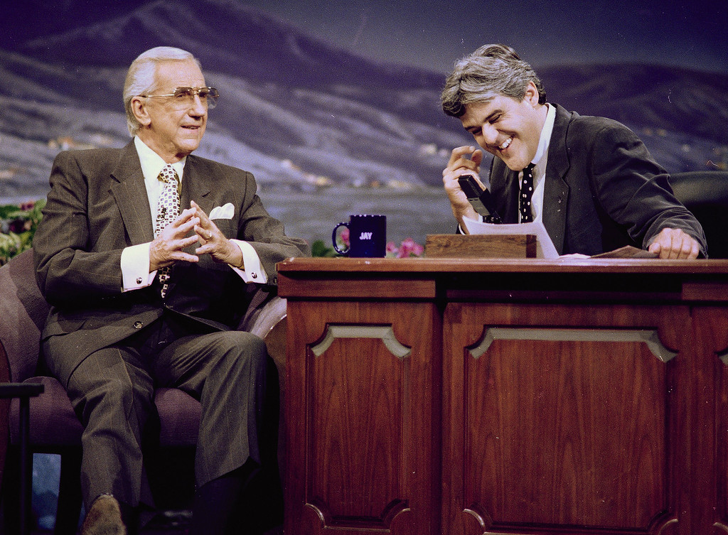 """. Ed McMahon, left, former announcer of the \""""Tonight Show,\"""" looks on as \""""Tonight Show\"""" host Jay Leno breaks into laughter during the taping of the show, July 30, 1993, in Burbank, Calif.  This was McMahon\'s first appearance on the show since the departure of Johnny Carson.  (AP Photo/Kevork Djansezian)"""