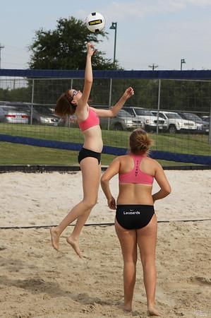 USA Beach Junior Tour Dallas Beach10K Amy/Tori Pool Play (6/2/2012)