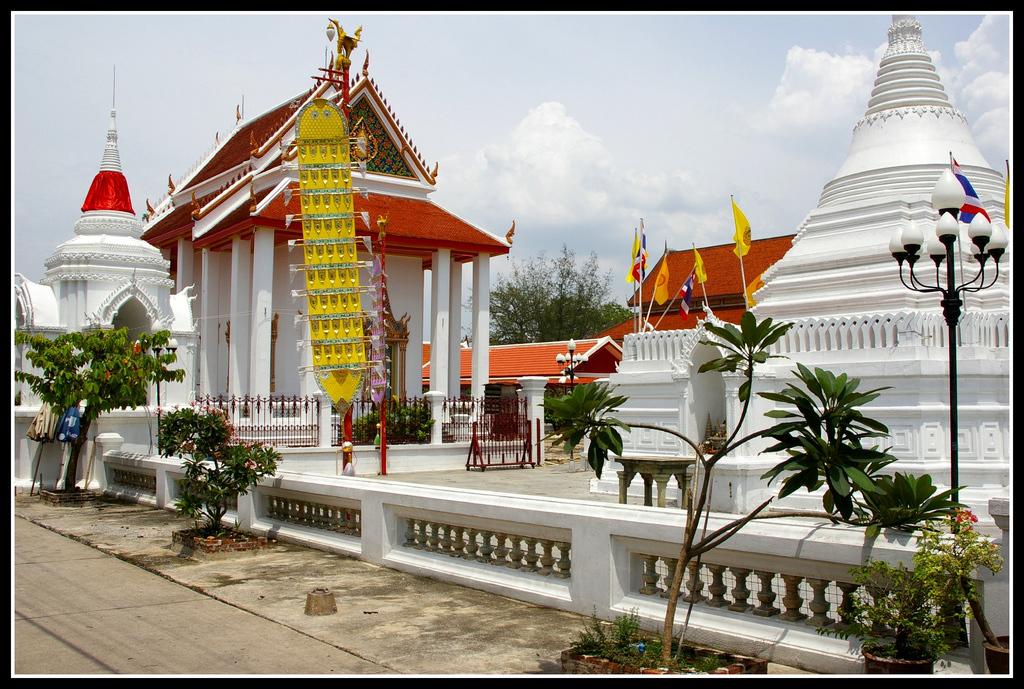 Wat Pramai Yikawat 2