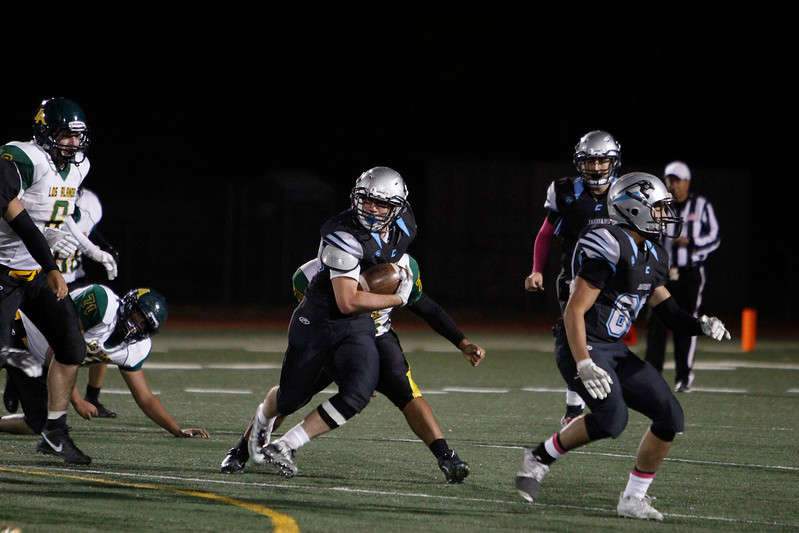 The first quarter of the Capital High School vs Los Alamos High School football game at Capital on Friday, November 3, 2017. Luis Sánchez Saturno/The New Mexican