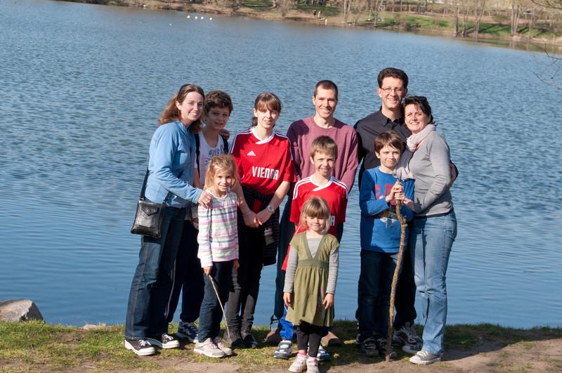 L-R:  Erica, Elisabeth, Pierre Antoine, Clemence, Doug, Simon, Charlotte, Benoit, Laurent, Claire.