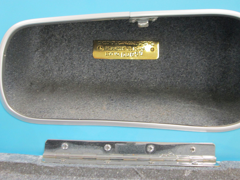Hull ID tag mounted in the glove box.