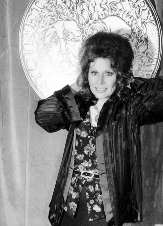 """. FILE - In this June 4, 1978 file photo, actress Ann Wedgeworth poses at Sardi\'s restaurant following the 32nd Annual Tony Awards in New York City where she won best actress in a featured role for her performance in \""""Chapter Two.\"""" Wedgeworth, who gained fame on film and Broadway before taking on the role of a flirty divorcee on \""""Three\'s Company,\"""" died Nov. 16 in New York at age 83. (AP Photo/File)"""