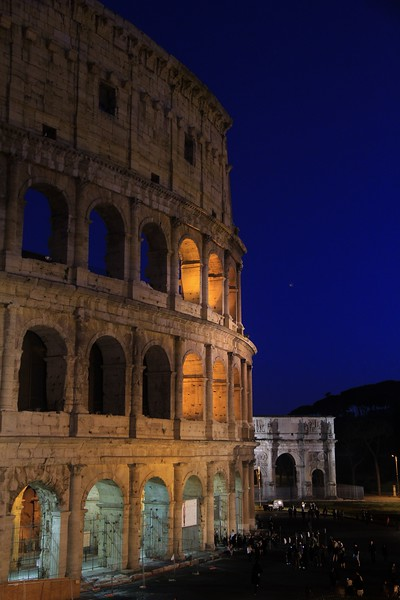 AITALY 2015,11 158A, SMALL, Colusseum at night, Rome.jpg