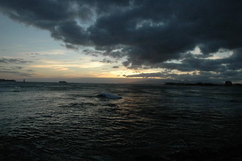 Hawaii - Ala Moana Beach Sunset-91.JPG