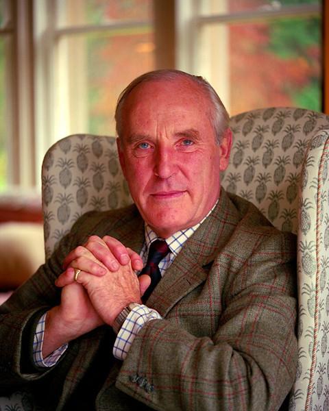 Sir David Nickson.jpg