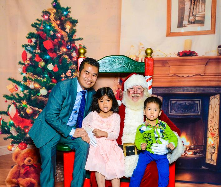 Santa Elmore 2016-12165.jpg