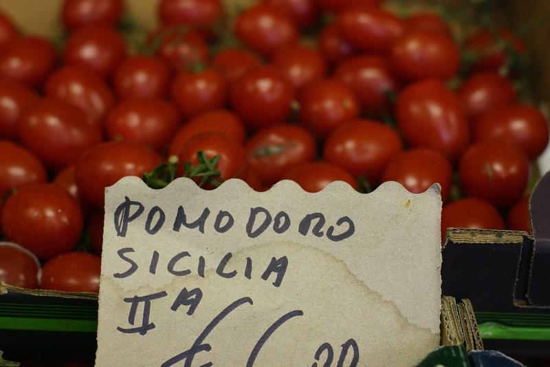 tomatoes-nhr_2087249181_o.jpg