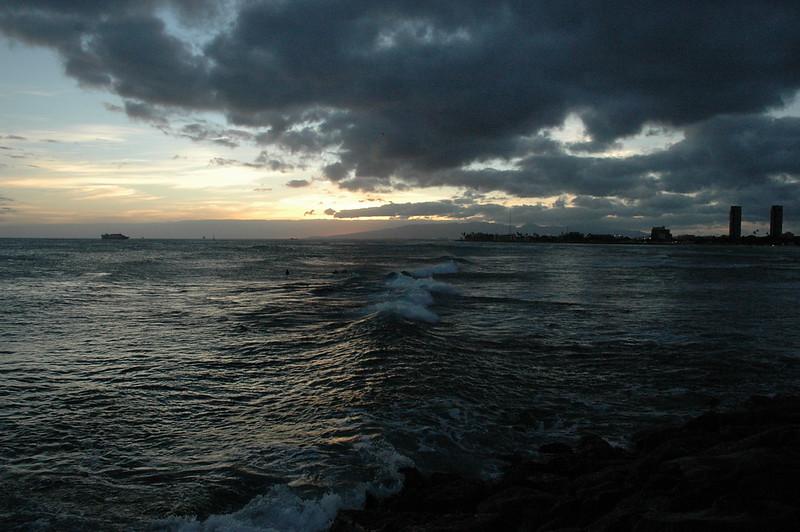 Hawaii - Ala Moana Beach Sunset-86.JPG