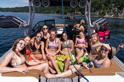 2020 Senior Cheer Boat