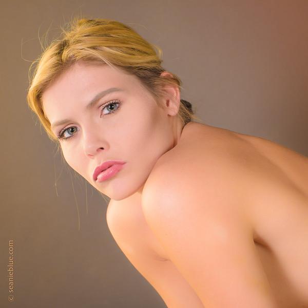 MM Ava H chabas 2000-6858.jpg