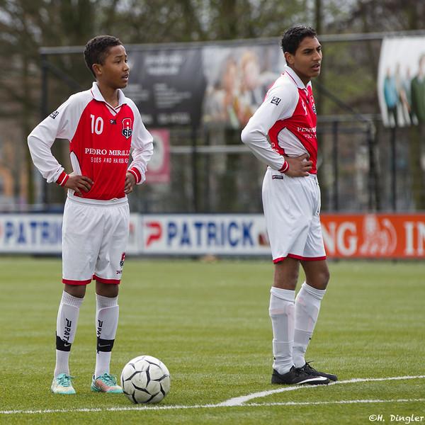 11-04-2015: Voetbal: Schoonhoven v Altena: Schoonhoven Zaterdag 3e klasse amateurs