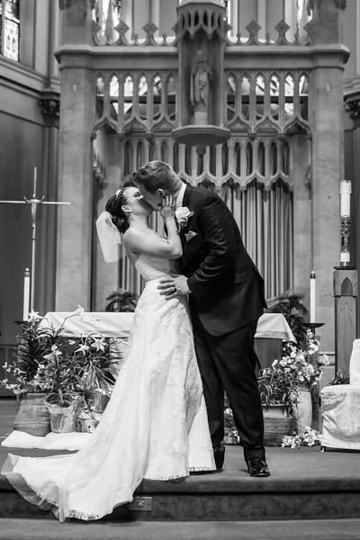 Jennie & EJ Wedding_00291-BW.jpg