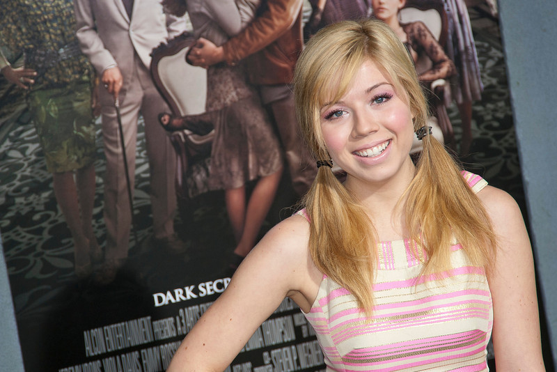 HOLLYWOOD, CA - FEBRUARY 06: Actress Jennette McCurdy attends the Los Angeles premiere of Warner Bros. Pictures' 'Beautiful Creatures' at TCL Chinese Theatre on Wednesday February 6, 2013 in Hollywood, California. (Photo by Tom Sorensen/Moovieboy Pictures)