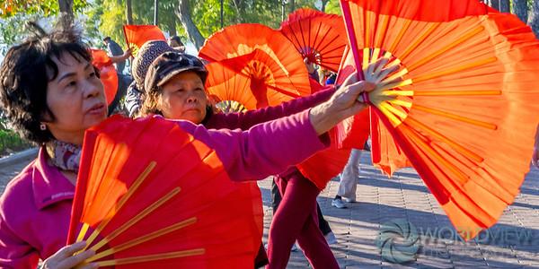 T'ai Chi fan dance (Hanoi, Vietnam)