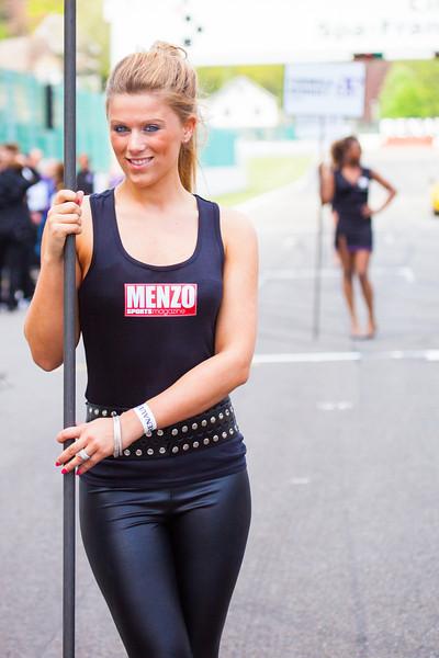 Menzo Grid Girl