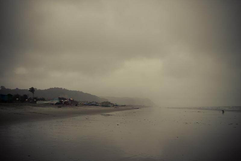 Canoa rainy day beach 3.jpg
