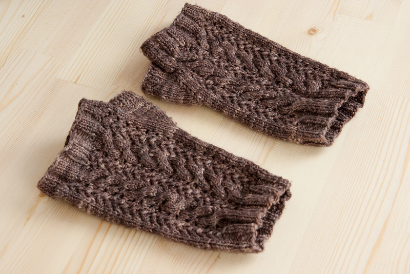 Chocolate Milk Merletto Mitts.