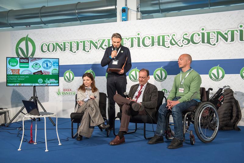 lucca-veganfest-conferenze-e-piazzetta_007.jpg