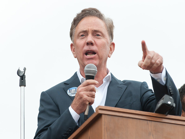 11/02/18 Wesley Bunnell | Staff The American Federation of Teachers held a get out the vote rally on Friday afternoon outside of a union headquarters in New Britain featuring hundreds of educators and workers from across CT. Candidate for governor of CT Ned Lamont (D) speaks.
