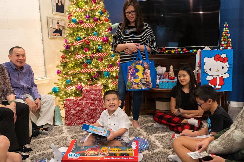 20181225_christmas-ho-family_047.JPG
