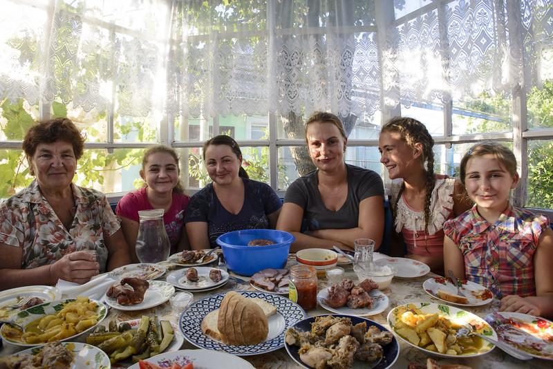 Pridnestrov'e - family lunch.jpg