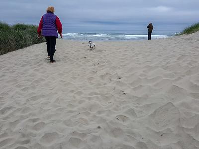 04-20-2016 Beach Walk on a Cloudy Day