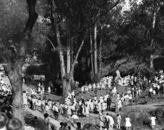 1927, Chidren Dancing