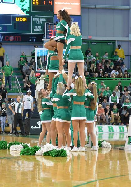 cheerleaders1263.jpg