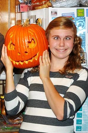 102711 Halloween Pumpkin Carving