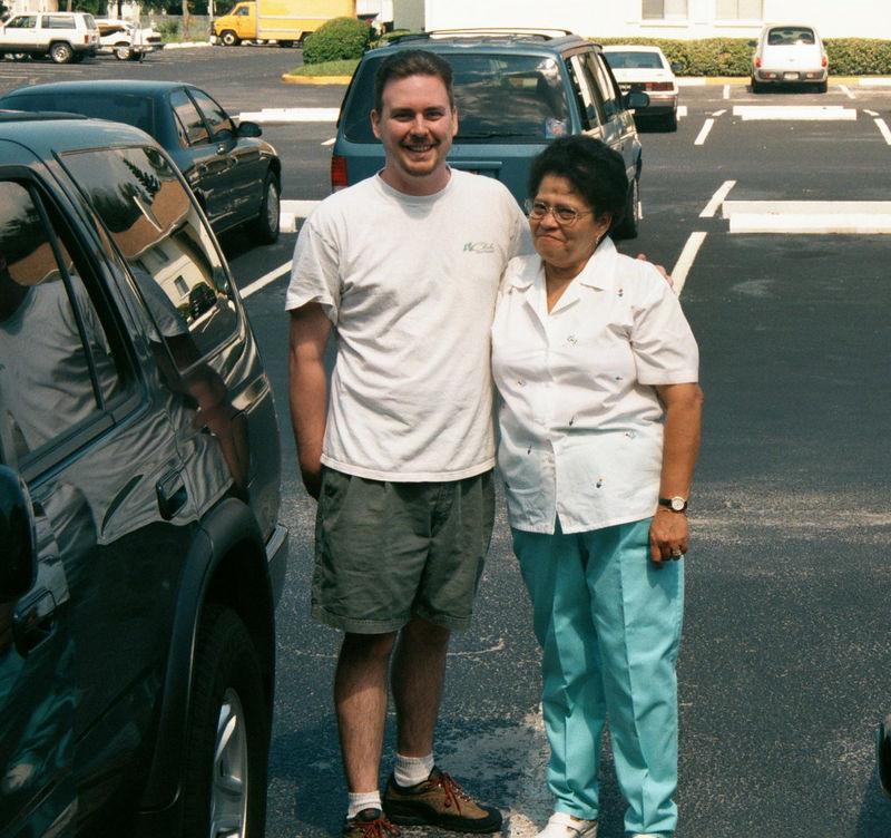 2001 08a - Mom visits Florida 028.jpg