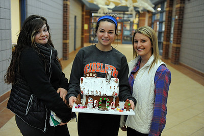 Gingerbread Houses (12/5/14)