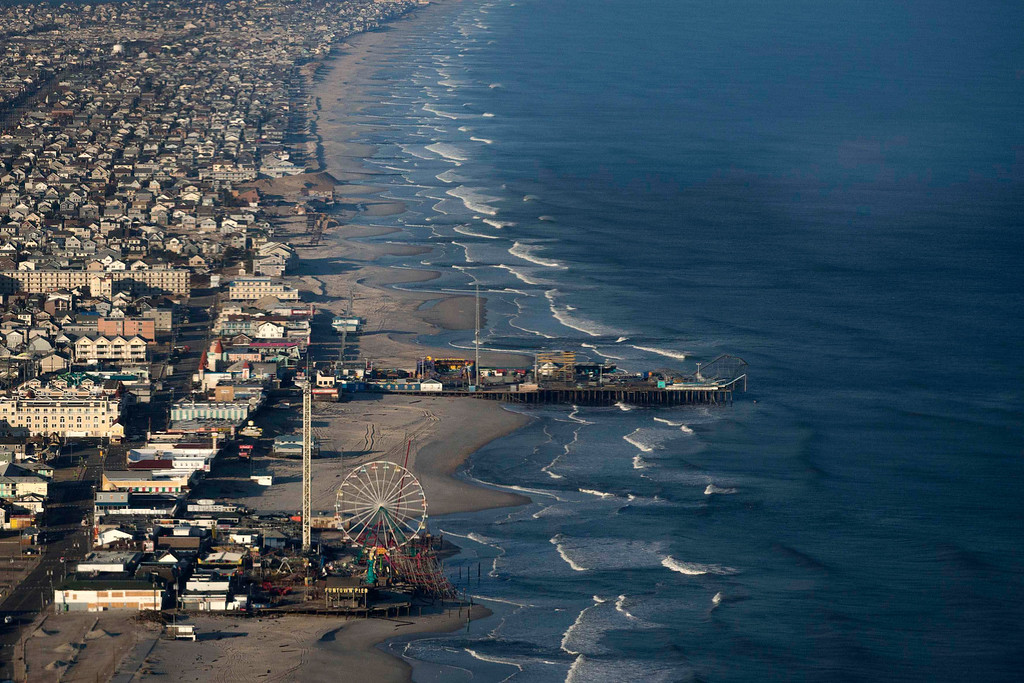 . The Funtown Pier is seen in the foreground in this aerial view of Seaside Heights, New Jersey, almost a month since the area was hit by Hurricane Sandy, November 28, 2012.   REUTERS/Adrees Latif